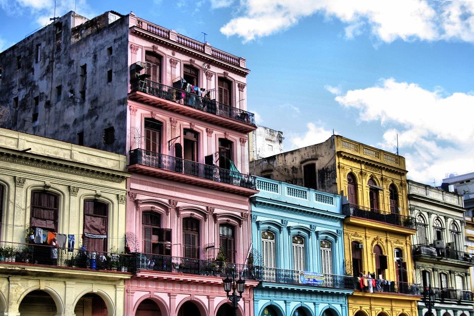maison colorées la havane cuba